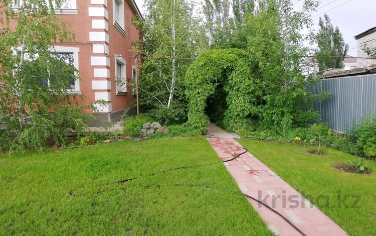 6-комнатный дом, 270 м², 10 сот., Кудайбергенова 15 за 45 млн 〒 в Актобе