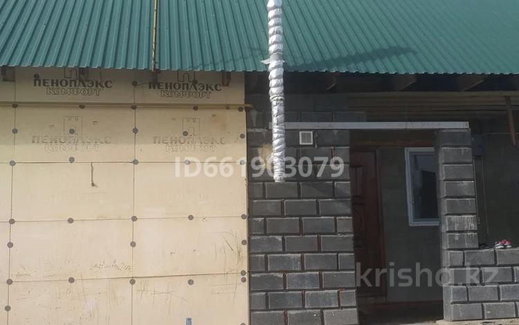 3-комнатный дом, 65 м², 8 сот., Байзакова 78 — Балқаш за 15 млн 〒 в Боралдае (Бурундай)