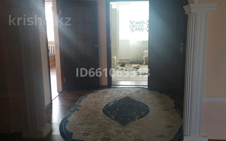 8-комнатный дом, 295 м², 12 сот., Өтенай 1, солнишная 13 13 — Базарбаева за 41 млн 〒 в Талдыкоргане