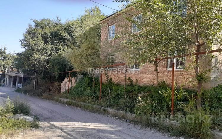 9-комнатный дом, 300 м², 9 сот., М Чокая 22 за 40 млн 〒 в Алматы, Медеуский р-н