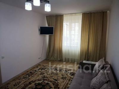1-комнатная квартира, 40 м², 2/14 этаж посуточно, Туран 55 — Керей Жанибек хандары за 6 000 〒 в Нур-Султане (Астана), Есиль р-н