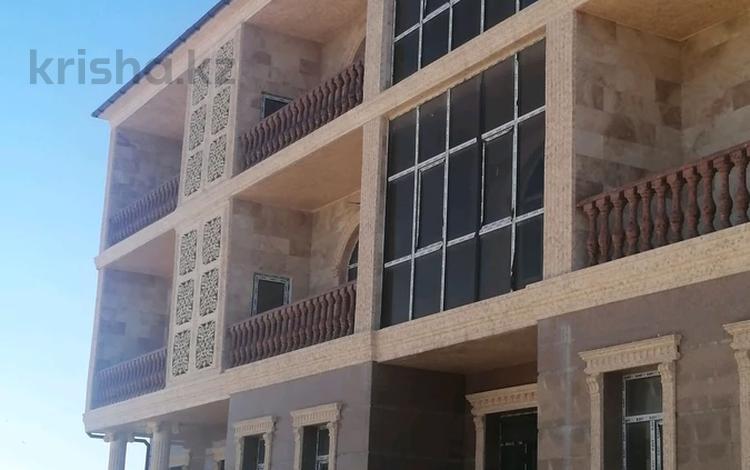 Здание, площадью 1000 м², 1-й мкр 1 береговая линия за 300 млн 〒 в Актау, 1-й мкр