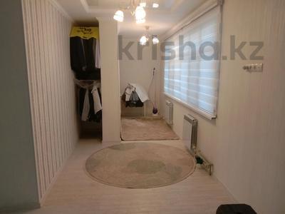 3-комнатная квартира, 110 м², 1/10 этаж помесячно, мкр Нурсат 2 23б за 250 000 〒 в Шымкенте, Каратауский р-н — фото 2