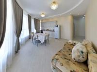3-комнатная квартира, 120 м², 4/5 этаж посуточно, Мангілік Ел 53 за 20 000 〒 в Нур-Султане (Астане), Есильский р-н