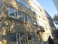 Здание, площадью 8042 м²