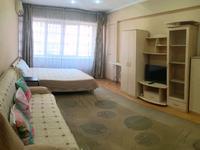 2-комнатная квартира, 55 м², 2/5 этаж посуточно, Абылайхана 59 — Жибек Жолы за 13 000 〒 в Алматы, Алмалинский р-н