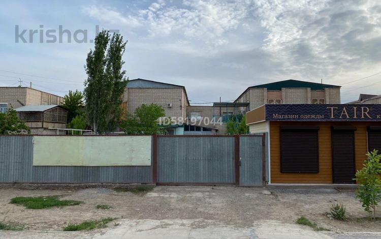 5-комнатный дом помесячно, 202 м², Мкр Акмешит 9А за 280 000 〒 в