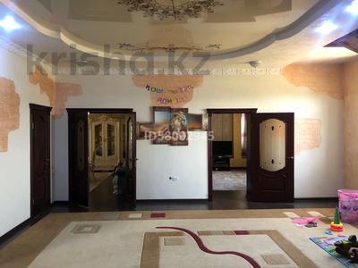 9-комнатный дом, 360 м², 13 сот., Массив дорожник ул Дулатова 8 за 78 млн 〒 в Таразе — фото 2