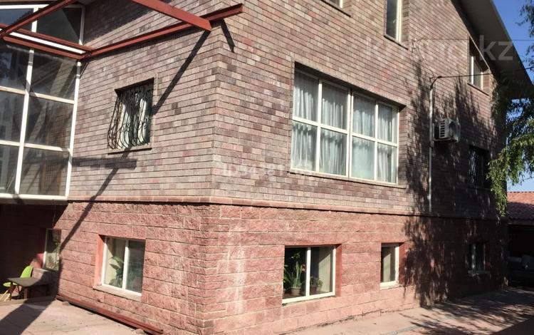 8-комнатный дом, 420 м², 10 сот., мкр Таугуль-3 30 — Рамазана Тохтарова за 64 млн 〒 в Алматы, Ауэзовский р-н