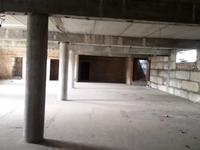 Здание, площадью 2500 м²