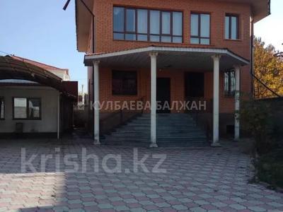 7-комнатный дом помесячно, 320 м², 6 сот., мкр Дубок-2 за 500 000 〒 в Алматы, Ауэзовский р-н
