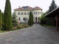 7-комнатный дом помесячно, 600 м², 50 сот.