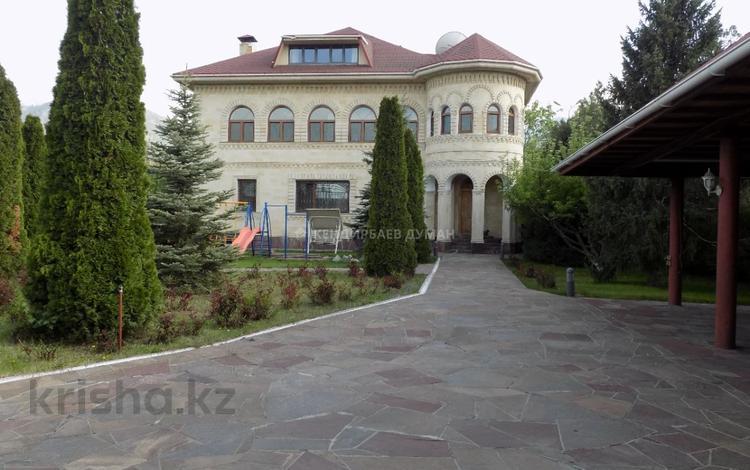 7-комнатный дом помесячно, 600 м², 26 сот., мкр Хан Тенгри, Мкр Хан Тенгри 84 за 1.5 млн 〒 в Алматы, Бостандыкский р-н