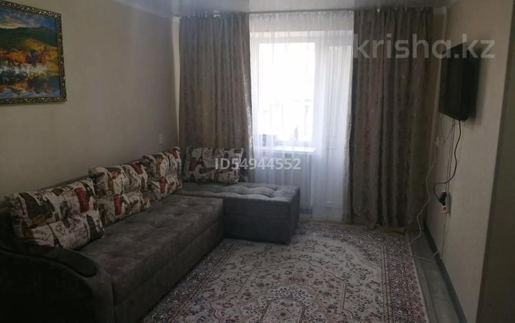 1-комнатная квартира, 40 м², 2/4 этаж посуточно, Ул. Шевченко 110 за 7 000 〒 в Талдыкоргане