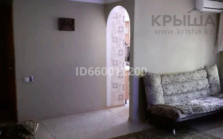 3-комнатная квартира, 57 м², 2/5 этаж, Квартал 20 6 за 12.5 млн 〒 в Семее