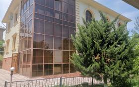 8-комнатный дом помесячно, 500 м², 40 сот., мкр Баганашыл за 800 000 〒 в Алматы, Бостандыкский р-н