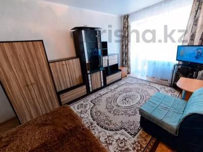 1-комнатная квартира, 40 м², 4/5 этаж посуточно, бульвар Мира 21 — Гоголя за 5 000 〒 в Караганде, Казыбек би р-н