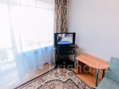 1-комнатная квартира, 40 м², 4/5 этаж посуточно, бульвар Мира 21 — Гоголя за 5 000 〒 в Караганде, Казыбек би р-н — фото 3