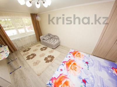 1-комнатная квартира, 33 м², 1/5 этаж посуточно, Ауэзова 173 — Чайковского за 7 000 〒 в Петропавловске — фото 3