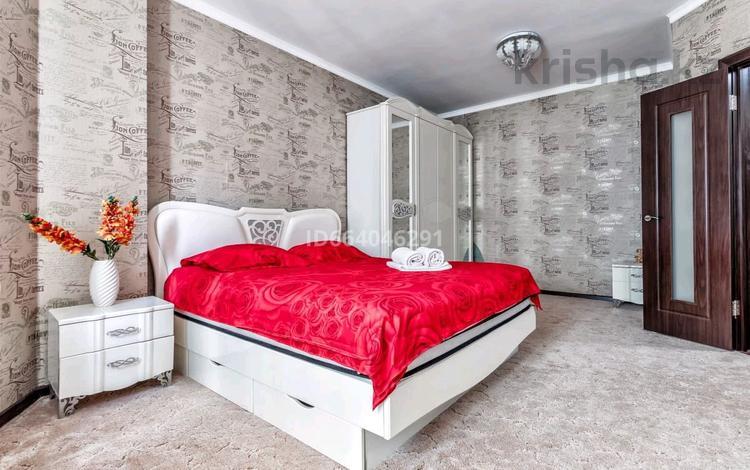1-комнатная квартира, 51 м² по часам, Сарайшык 5 а — Акмешит за 1 500 〒 в Нур-Султане (Астана), Есиль р-н