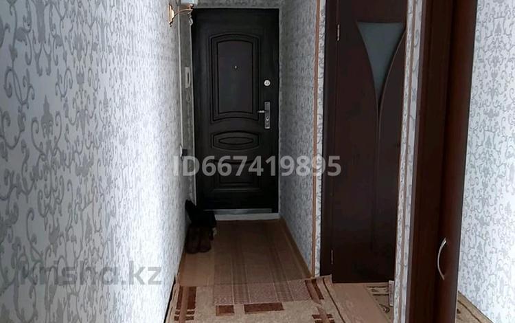 3-комнатная квартира, 49 м², 2/5 этаж, Абая 14 за 13.8 млн 〒 в Костанае