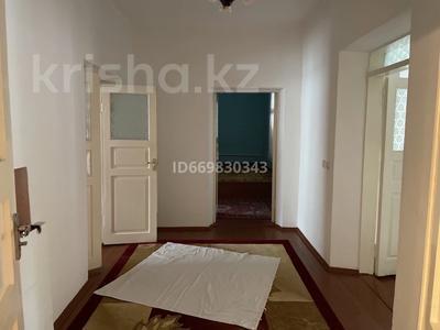 6-комнатный дом, 250 м², 16 сот., Забадам ул. талтус 25 за 70 млн 〒 в Шымкенте, Аль-Фарабийский р-н