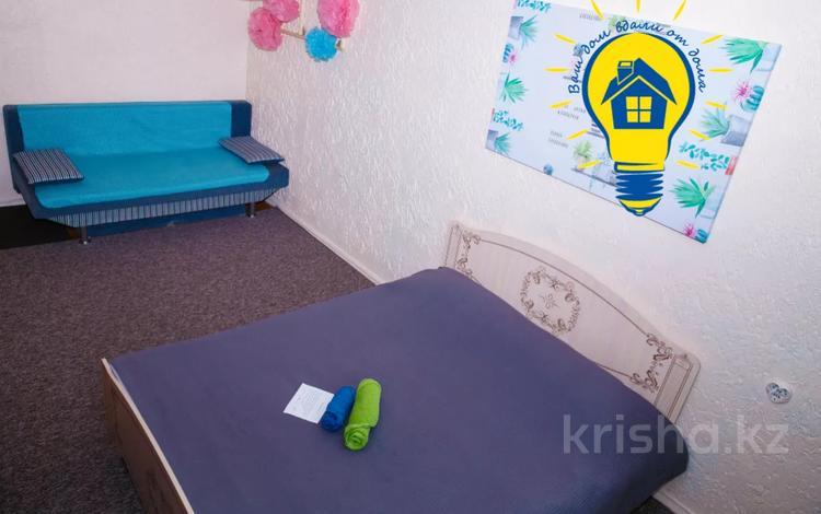1-комнатная квартира, 31 м² посуточно, мкр Казахфильм 5 за 7 497 〒 в Алматы, Бостандыкский р-н