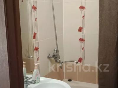 1-комнатная квартира, 42 м², 3/9 этаж посуточно, Карбышева 44 за 7 000 〒 в Усть-Каменогорске — фото 8