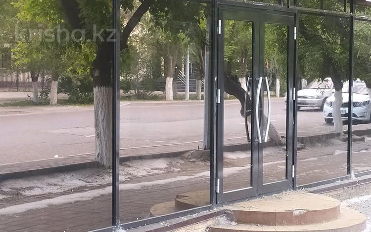 Помещение площадью 60 м², мкр Новый Город, Нуркена Ерубаева за 350 000 〒 в Караганде, Казыбек би р-н