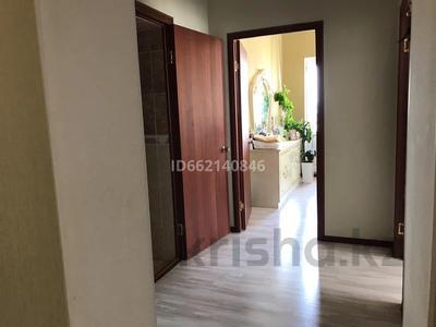 2-комнатная квартира, 70 м², 18/23 этаж, Байтурсынова 12 за 26.5 млн 〒 в Нур-Султане (Астана), Алматы р-н