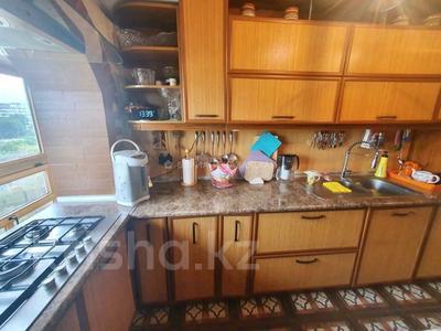 2-комнатная квартира, 45 м², 9/9 этаж, мкр Аксай-2 — Саина за 24.9 млн 〒 в Алматы, Ауэзовский р-н