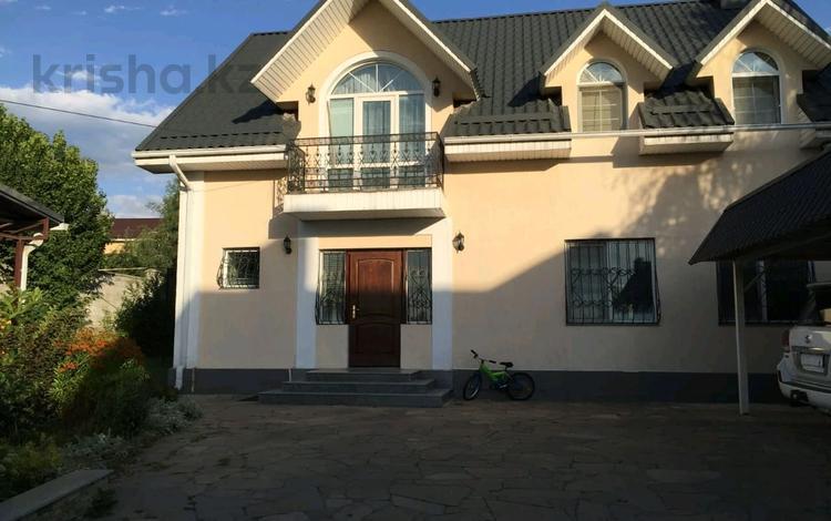 7-комнатный дом поквартально, 270 м², 9 сот., мкр Горный Гигант, Жамакаева 5 за 950 000 〒 в Алматы, Медеуский р-н