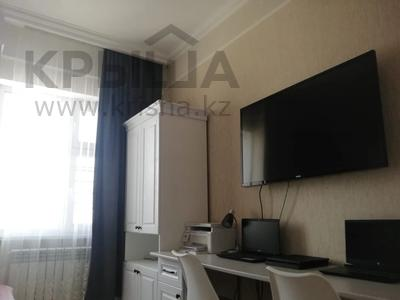 3-комнатная квартира, 87 м², 5/12 этаж, Акмешит 9 за 47.5 млн 〒 в Нур-Султане (Астане), Есильский р-н