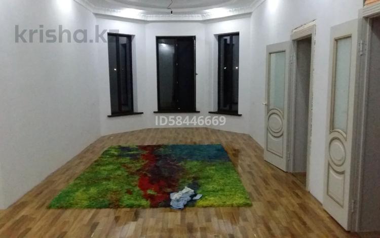 5-комнатный дом помесячно, 160 м², 10 сот., Коркыт Ата 131 за 270 000 〒 в Туркестане