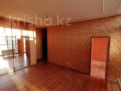 4-комнатная квартира, 254.2 м², 18/18 этаж, Туркестан 2 за 55 млн 〒 в Нур-Султане (Астана), Есиль р-н — фото 18