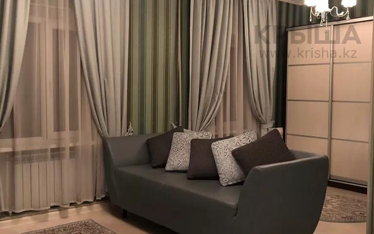 1-комнатная квартира, 35 м², 2/4 этаж помесячно, Таукехана — Ташенова за 100 000 〒 в Шымкенте