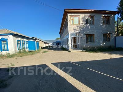 Здание, площадью 800 м², Ерназарова 43 за 45 млн 〒 в Актобе — фото 2