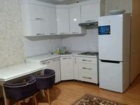 2-комнатная квартира, 70 м², 18/25 этаж посуточно, мкр 11, 11 мкр за 8 000 〒 в Актобе, мкр 11