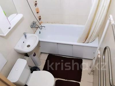 1-комнатная квартира, 32 м² посуточно, Казахстан 93 за 8 000 〒 в Усть-Каменогорске — фото 5