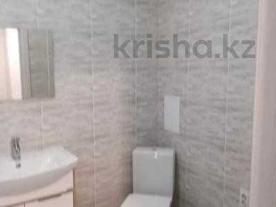 1-комнатная квартира, 40 м², 8/9 этаж, проспект Кабанбай Батыра за 16.2 млн 〒 в Нур-Султане (Астана), Есиль р-н — фото 4