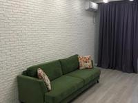 2-комнатная квартира, 80 м², 1/3 этаж помесячно