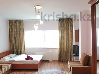1-комнатная квартира, 40 м², 21 этаж посуточно, Достык 5 за 10 000 〒 в Нур-Султане (Астана), Есиль р-н