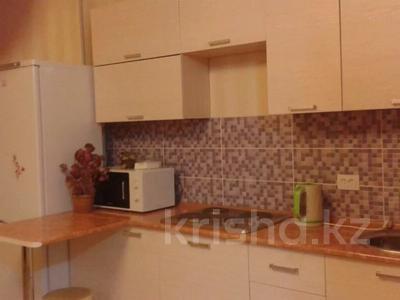 1-комнатная квартира, 30 м², 7/9 этаж посуточно, Женис 43 за 5 000 〒 в Нур-Султане (Астана), Сарыарка р-н — фото 2