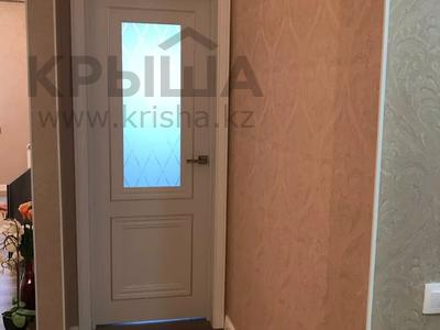 4-комнатная квартира, 101.4 м², 9/10 этаж, Сауран 14 — Алматы за 35 млн 〒 в Нур-Султане (Астана), Есиль р-н — фото 8