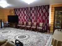 4-комнатный дом, 200 м², 18 сот., П. Октябрьский Ул.Мира за 25 млн 〒 в