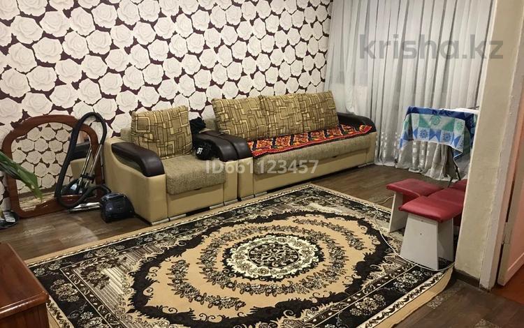 1-комнатная квартира, 30.5 м², 3/5 этаж, 35 квартал 24 за 7.5 млн 〒 в Семее