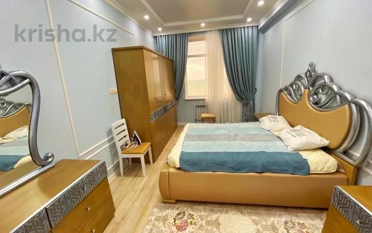 2-комнатная квартира, 86 м², 7/9 этаж помесячно, 13-й мкр 54 за 220 000 〒 в Актау, 13-й мкр