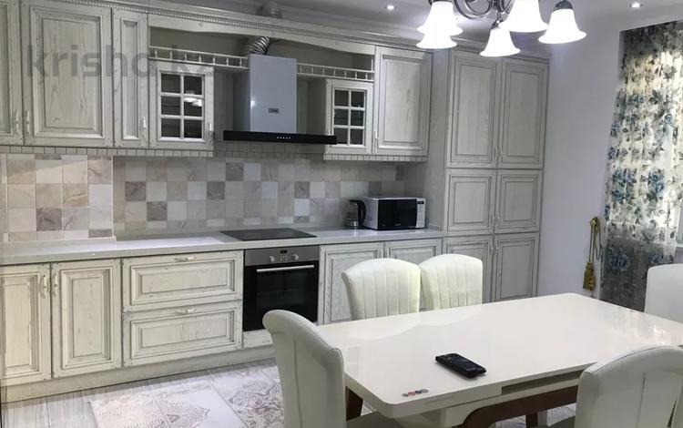 3-комнатная квартира, 160 м² помесячно, Фурманова 223 за 500 000 〒 в Алматы, Медеуский р-н
