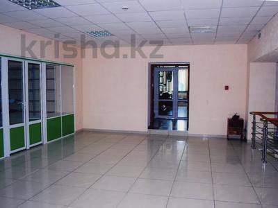 Здание, площадью 1100 м², Барнаульская 2 — Чкалова за 520 млн 〒 в Павлодаре — фото 17