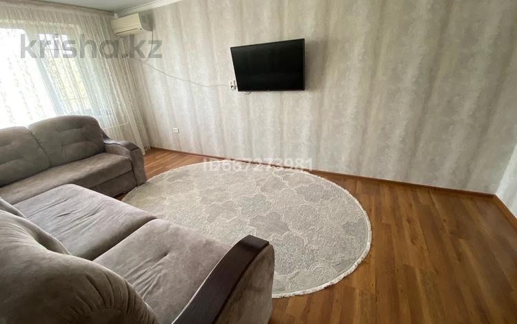 3-комнатная квартира, 65 м², 6/9 этаж, 1 мая 286 за 20 млн 〒 в Павлодаре